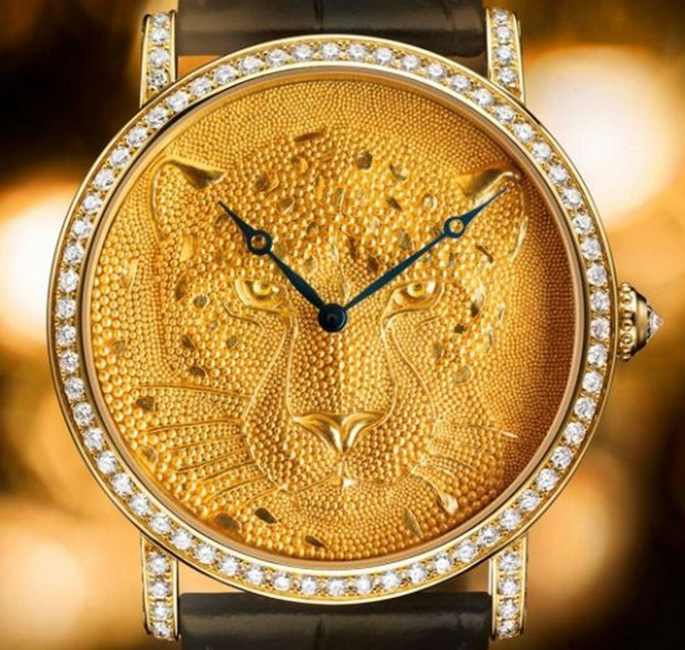 Rotende-de-Cartier-42mm-Panther-with-Granulation-watch-1