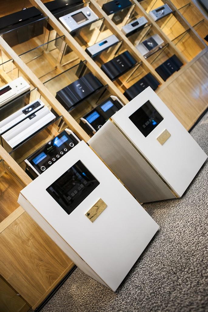 Goldmund Telos 3500 đang được trưng bày tại showroom Hoàng Hải Audio