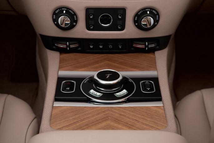Rolls-Royce-Wraith-182