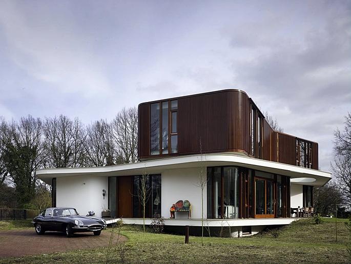 retro-futuristic-house-deisgn-2