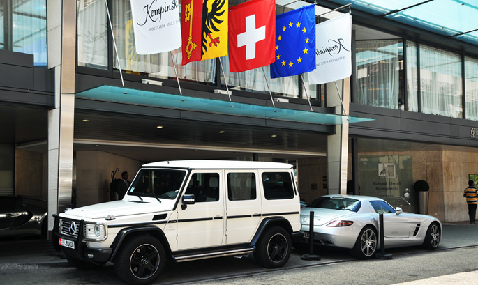 Mercedes-Benz-G-55-AMG-Arab