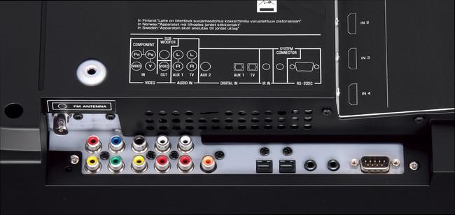 Nhiều kết nối và tương thích với các định dạng âm thanh vòm tiên tiến nhất