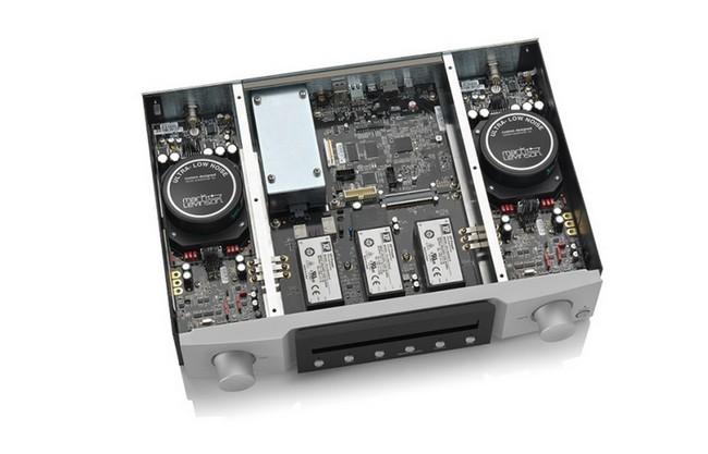 Khối điều khiển dùng tới 5  bộ nguồn độc lập và bộ lọc AC