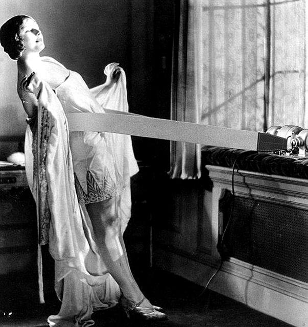 1900s-beauty-salon-5