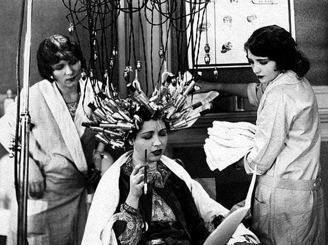 1900s-beauty-salon-9