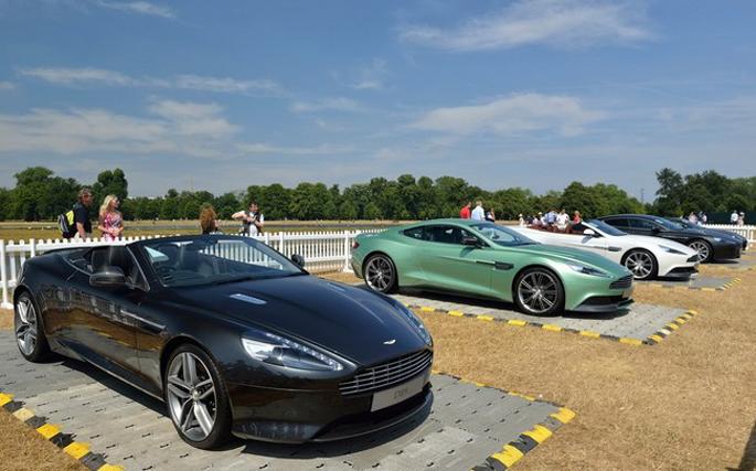 Aston-Martin-(30)-0d19f